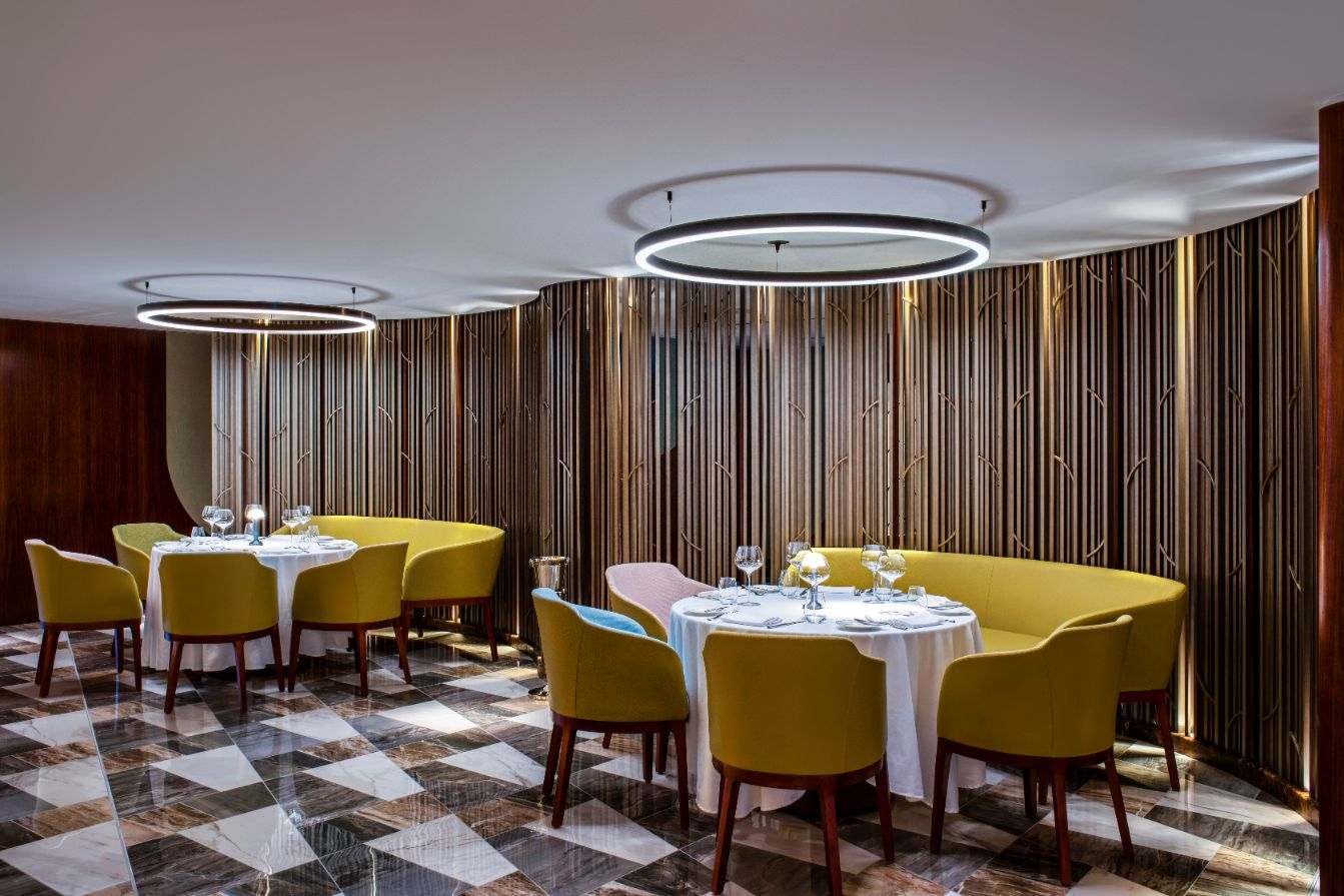 First Look: The historic Queens Grill aboard QE2 gets refurbished