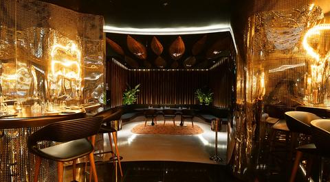 Metallic walls cover All'Onda restaurant at new Emerald Palace Kempinski Hotel