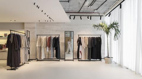 SuperFutureDesign* designs minimalist showroom for abaya brand in d3