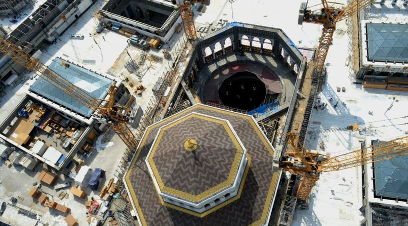 Dubai firm builds world's 'largest' sliding roof in Grand Mosque expansion