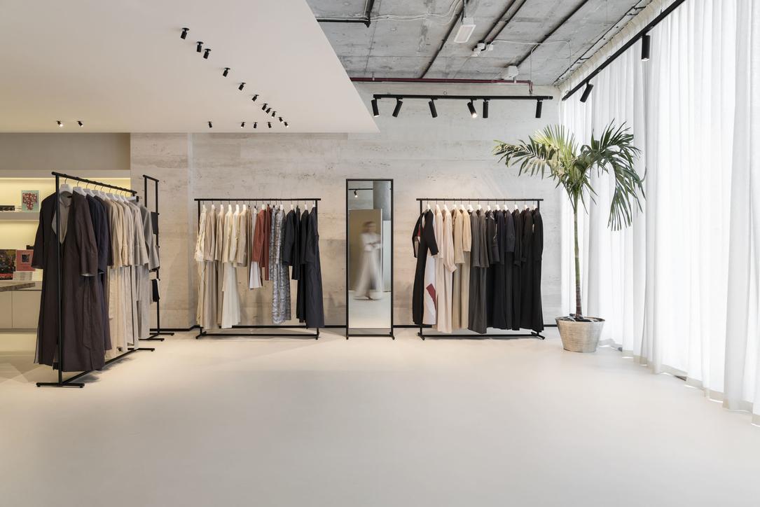 Superfuturedesign Designs Minimalist Showroom For Abaya Brand In D3 Projects Superfuturedesign Dubai Design District D3 Minimalism Cid