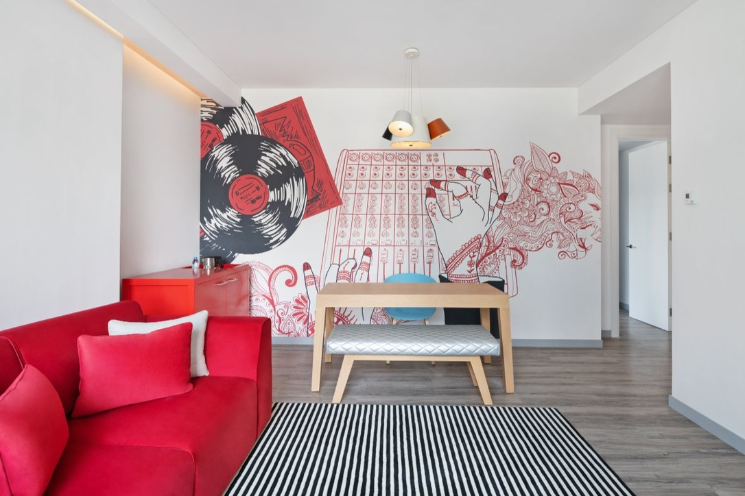 Radisson red, Art painting lab, Sam saliba