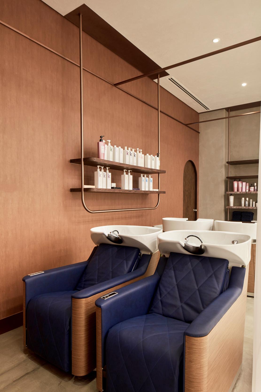 Deco Salon Rose Poudré h2r design creates women's salon with a softer